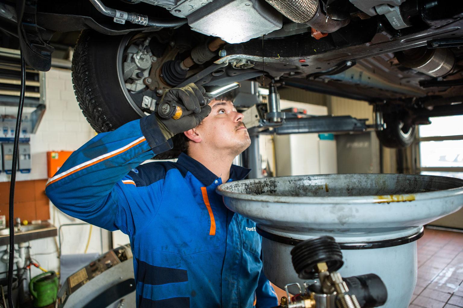 Service für Autos und Fahrzeuge der Marke Ford und allen Fahrzeugmarken in Helmstedt erhalten Sie im Autohaus Martin.